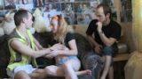 Blondinette pinée par un inconnu dans un film X Cuckold